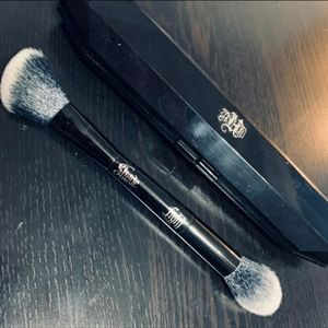 Kat Von D Makeup - Kat Von D shade + light Contour brush